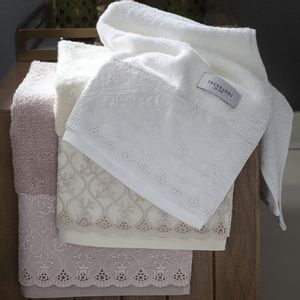 Imperiale-lavabo-bordado
