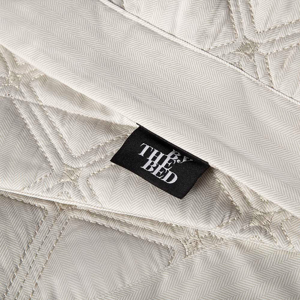 Colcha com porta travesseiro By The Bed 59 St casal off white